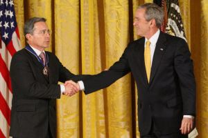 Alvaro Uribe and George W. Bush