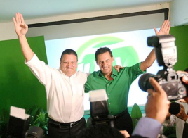 Costa Rican Presidential candidate Johnny Araya and Antonio Álvarez Desanti, Chief of the Araya Presidential Campaign  By Lcascante2000 (Own work) [CC-BY-SA-3.0 (http:/via Wikimedia Commons