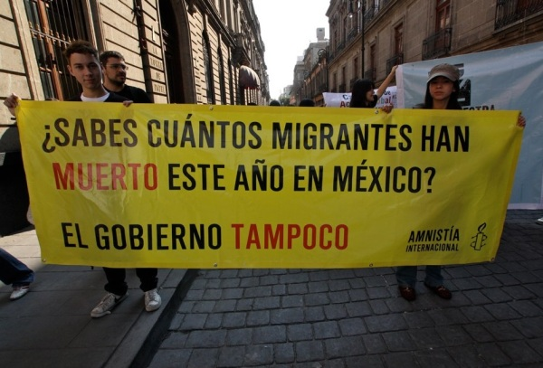 """Do you how many migrants have died this year in Mexico? The government doesn't either."" Photo Credit: Grupo Cinco Amnistía Internacional México / Flickr / Creative Commons"