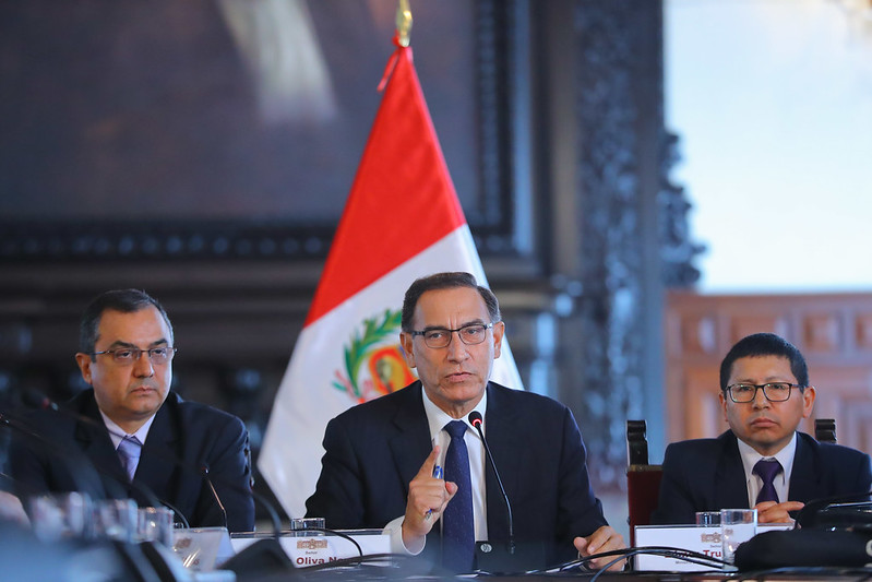 President Vizcarra speaking to Foreign Press in meeting